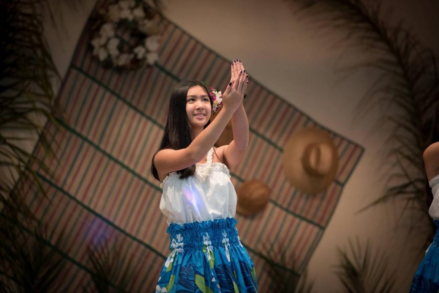 Kyla+Avendano+dances+hula+for++the+Mother%27s+Day+Dinner+Dance+Luau.