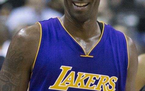 Kobe Bryant plays against the Washington Wizards, receiving another round of ovation and praise.