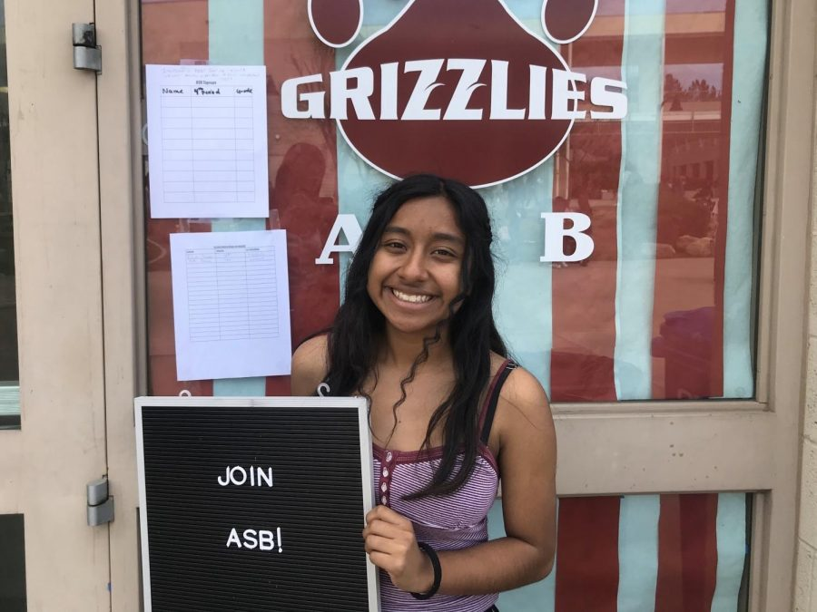 Brisa Jaime (9) welcomes all incoming freshman into ASB.